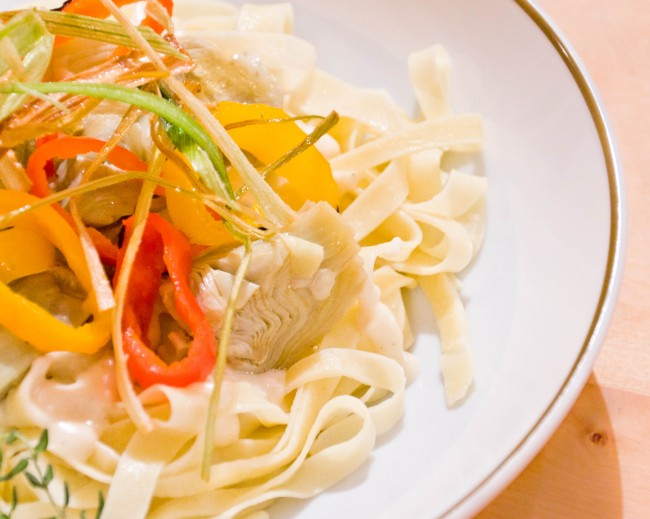 Post image for Fettuccine with Artichokes, Peppers and Fontina Cheese Sauce